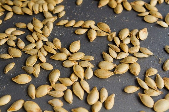 Honey Sriracha Roasted Pumpkin Seeds