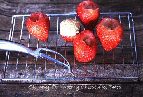 Skinny Strawberry Cheesecake Bites