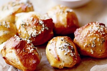 Cheese Stuffed Pretzel Bites