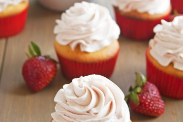 Easy Strawberry Cupcakes