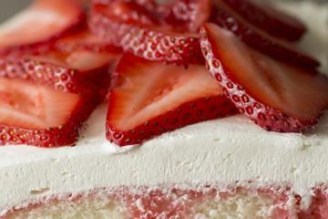 Easy Strawberry Poke Cake