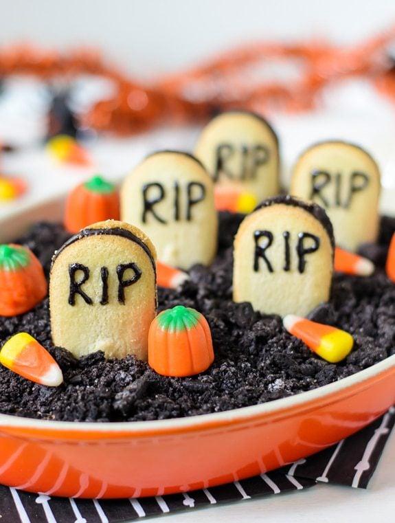 25 halloween dessert recipes swanky recipes graveyard chocolate cheesecake dip forumfinder Gallery