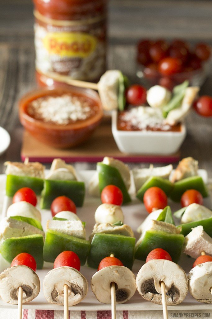 Margherita Chicken and Vegetable Kebabs with Ragú Super Chunky Mushroom dipping sauce #NewTraDish