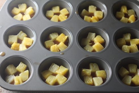 Pineapple Upside Down Cupcake tutorial