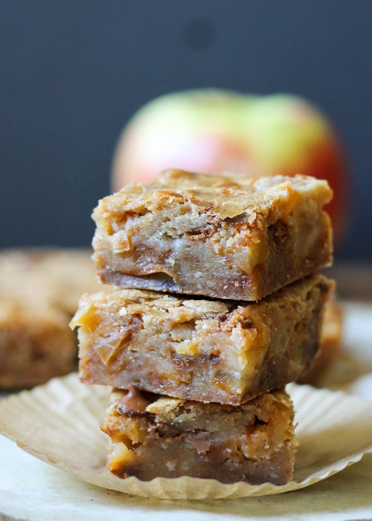 Decadent apple cinnamon blondies made with all the right fall flavors.