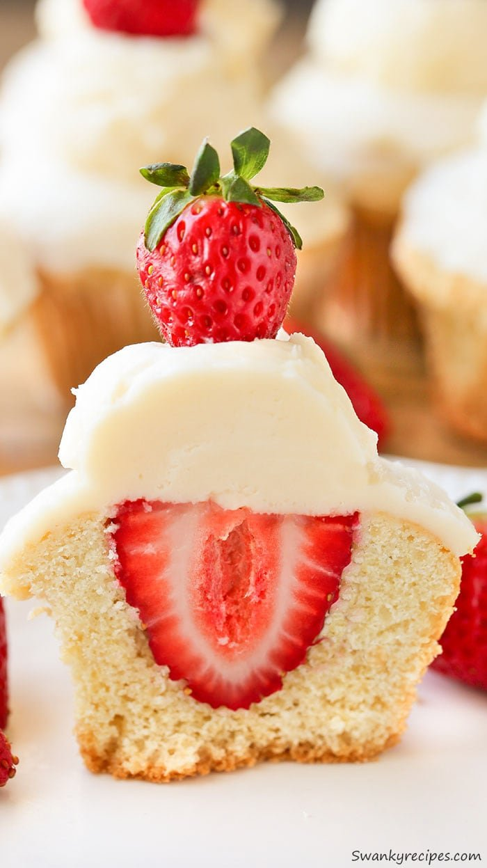 Stuffed Strawberry Shortcake Cupcakes