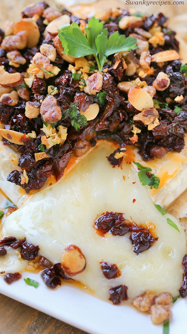 Basil Sun-Dried Tomato Baked Brie