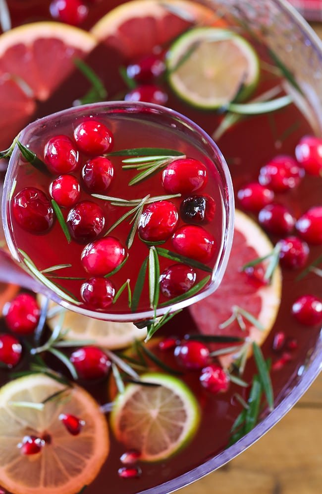 Jingle Juice Holiday Punch - Swanky Recipes - You'll love this holiday drink recipe. #sweettea