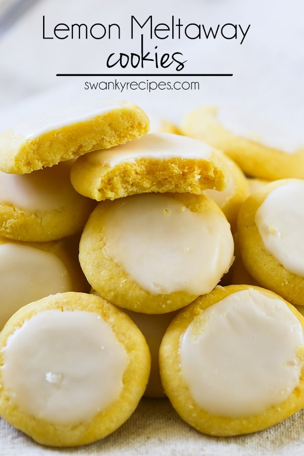 Lemon Meltaway Cookies - Cookies that will melt in your mouth! These cookies use just a few ingredients and come together quickly.  #lemon #cookies #dessert