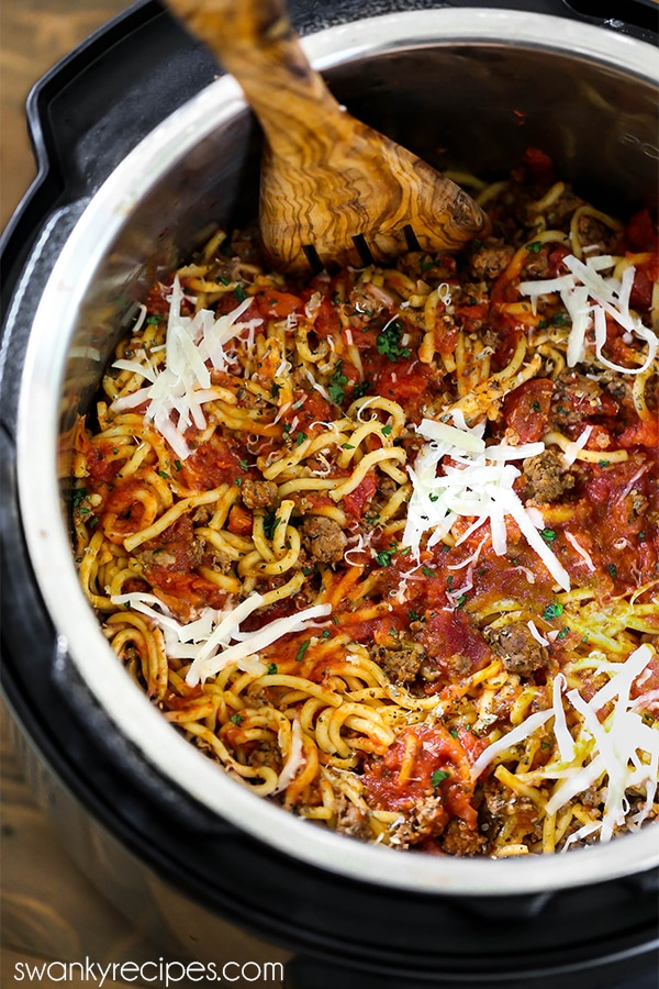 Instant Pot Beef Spaghetti. Spaghetti pasta noodles cook in 7 minutes in the pressure cooker with ground beef and spaghetti sauce.