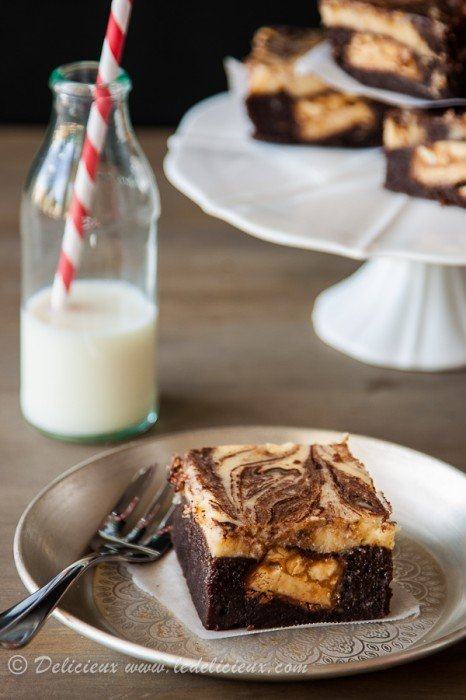 Snicker Cheesecake Bars