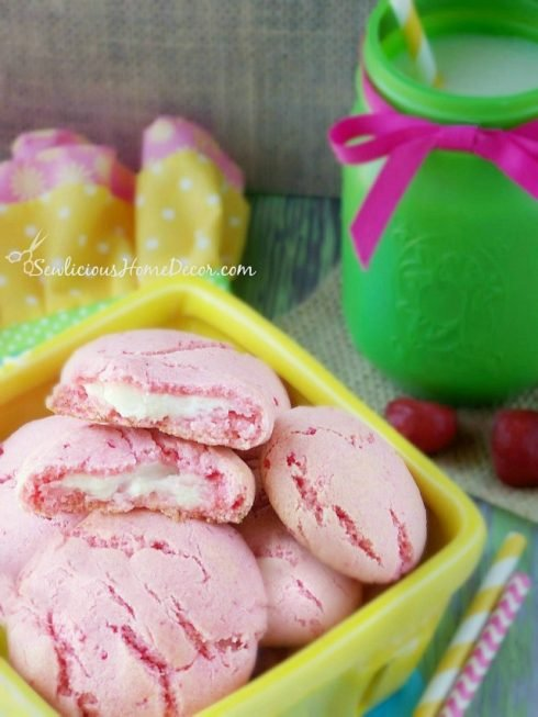 Strawberry Pudding Cookies