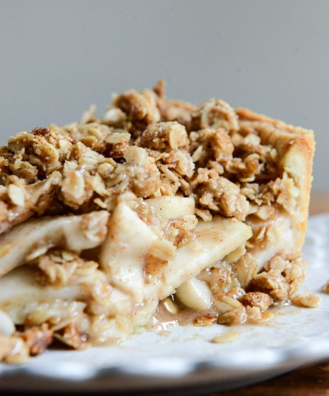 Cider Apple Pie with Oatmeal Cookie Crumble