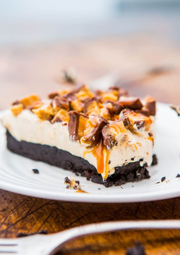 Deep Dish Peanut Butter Snickers Pie