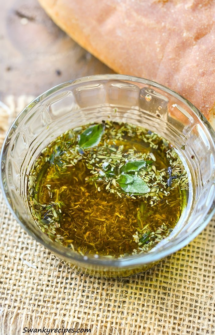 Herb de Provence Dipping Oil - Simple French herbs such as those used in Herb de Provence make this a delicious dip to serve as an appetizer for any party.
