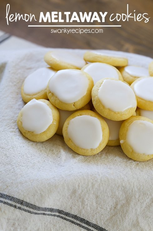 Lemon Meltaway Cookies - Lemon tea cookies that will melt in your mouth! #cookies