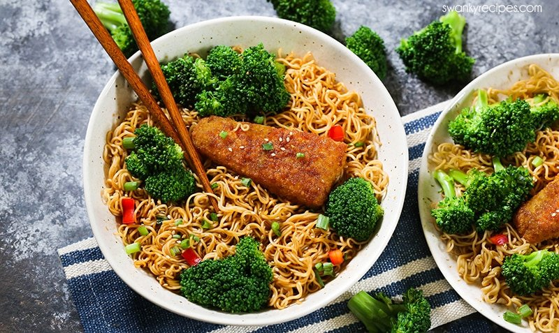 Garlic Sesame Noodle Fish Bowls -  A quick, easy 25-minute Asian noodle bowl meal the whole family will love!