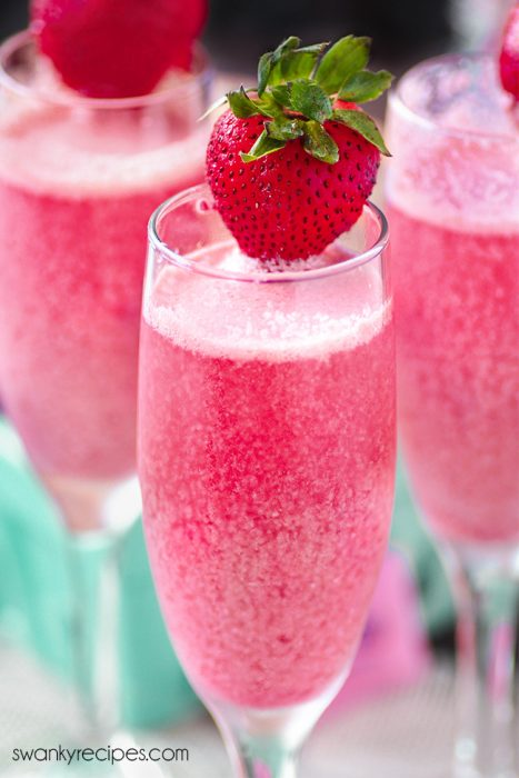 Host an Easter brunch and you'll have the perfect reason to make up a batch of these STRAWBERRY MIMOSAS. Perhaps there's a reason why Easter brunch is so popular, especially when you're having a good time with family and friends outdoors for the first of the season. Bring a dish to pass to the party and sip on these fresh strawberry champagne mimosas for a fun new tradition.